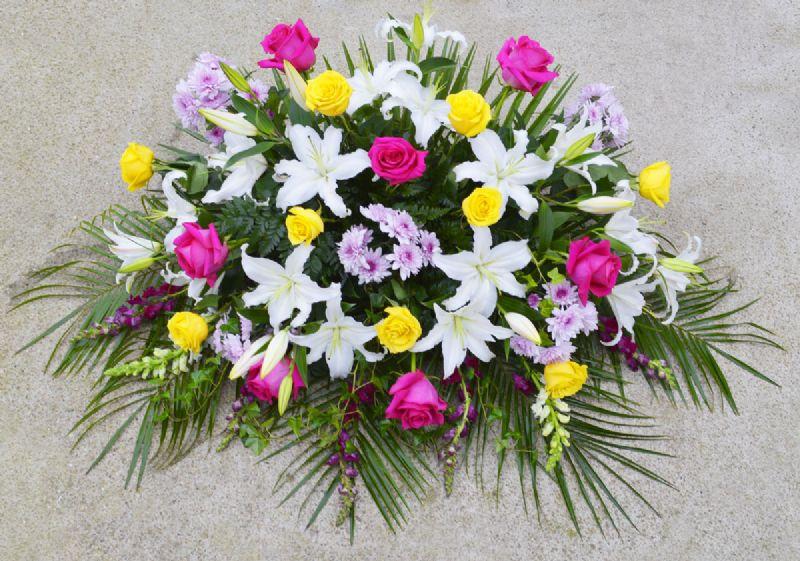 Envio de centros de flores naturales a cementerios - Centros de plantas naturales ...