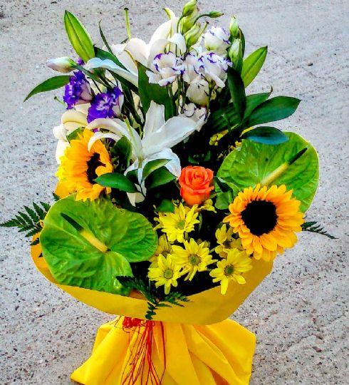 Ramos de flores para regalar por un cumpleaños