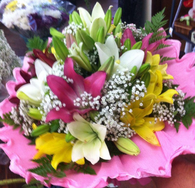 Ramo de flores para regalar enviado por la floristeria de - Ramos para regalar ...