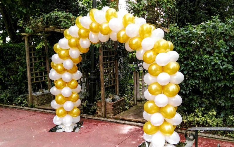 Arcos y decoraciones con globos para boda Llmanoos