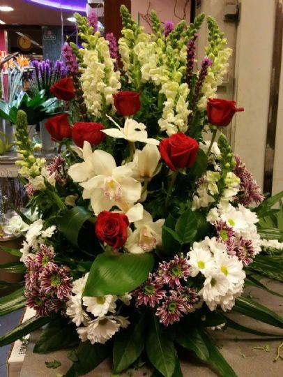 Centro de flores enviado por la florister a de le n - Hacer un centro de flores ...